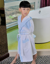 Fashion blue patterned cotton waffle boys bathrobe with embroidery