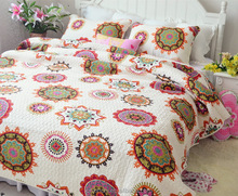 low MOQ appliqued bed sheet patchwork quilt