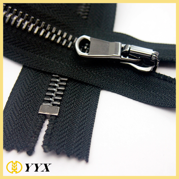 wholesale 8#10# wide tape large metal zipper in guangzhou