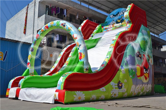 Giant inflatable bird bouncy dry slide with arch in front for kids