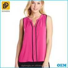 2016 Women's Sleevless V-Neck Blouse