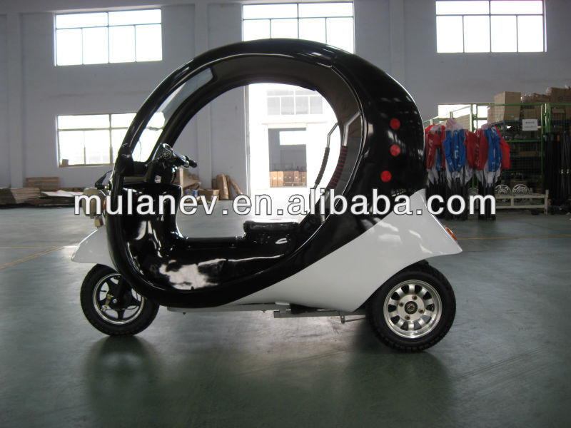 three wheel covered tricycle