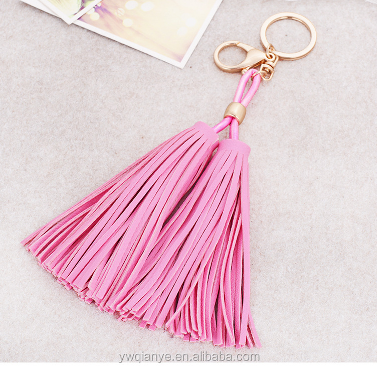 2015 custom fashion colorful leather tassel keychain for promotion gift