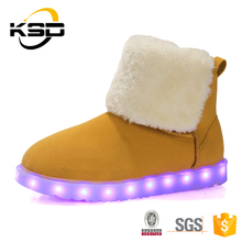 Latest Global warmly shoes warm footies with lovely wholesale LED shoes