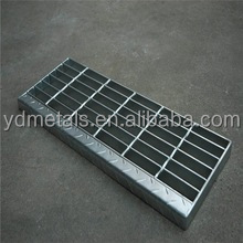 Outdoor Galvanized serrated steel grating stair treads