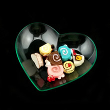 The fashionable food grade disposable plastic mini heart shaped sauce dish *