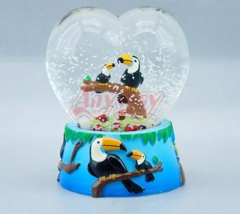 Parrot figurine heart shape water snow globe of zoo souvenir