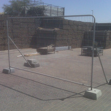 Famous band flexible temporary stand-alone chain link fence panels