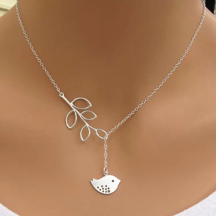 Free shipping fashion silver bird leaves chain women pendant <strong>necklace</strong>