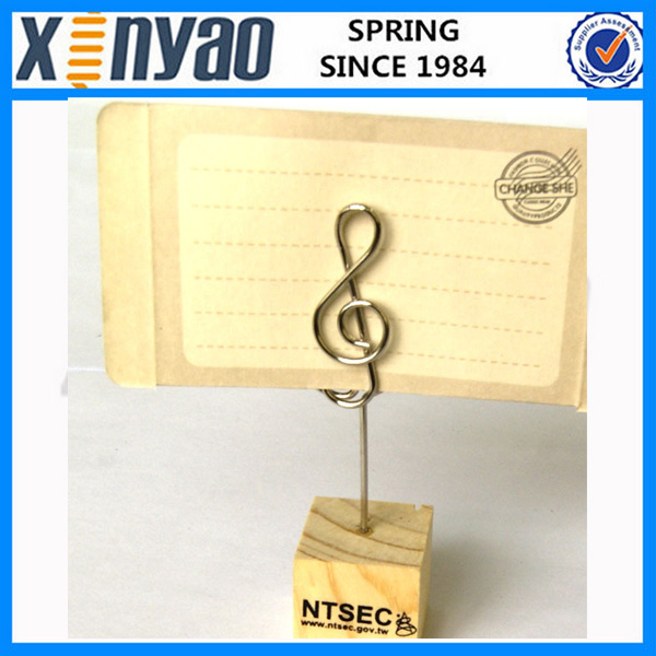 Factory price lovely customer metal music wire wooden memo <strong>clip</strong>