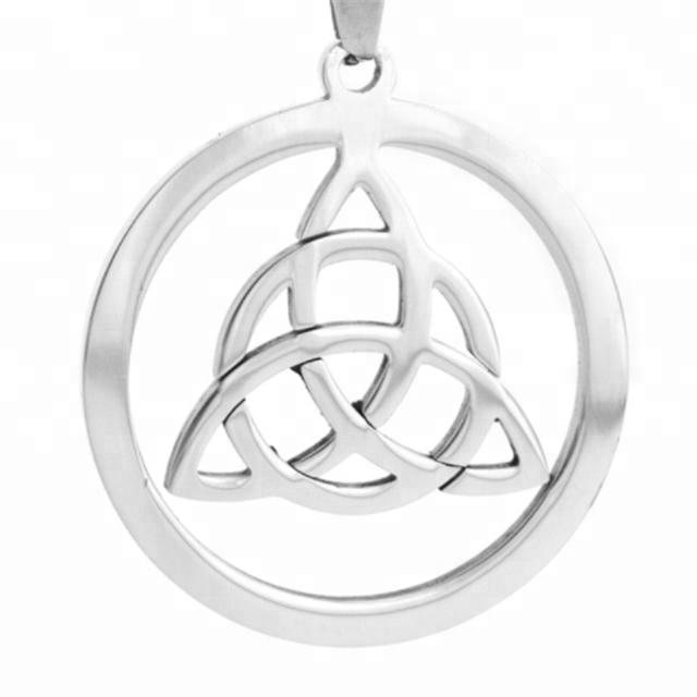 b2a5b7a8dec8 Yiwu Aceon láser de acero inoxidable cortar un círculo de nudo celta  Triquetra Trinidad suerte etiqueta
