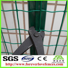 China Green PVC Coated Euro Style Metal Weld Wire Mesh Holland Fence panels
