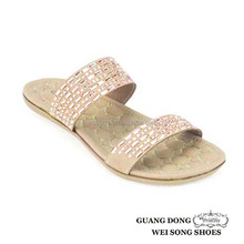 Ladies elegant mint beading flip flops flat rhinestone ornament vamp open toe soft short plush slipper with tpr for women 2017