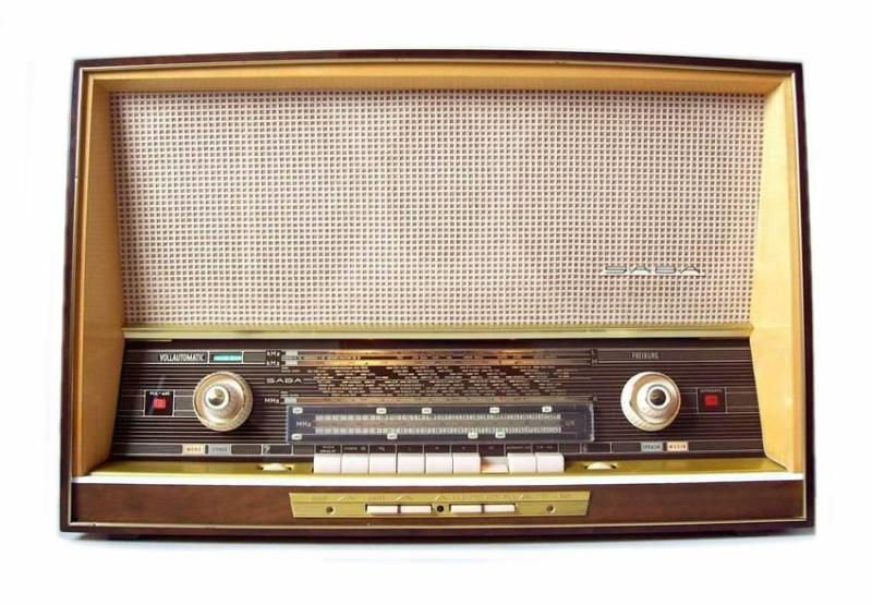 SABA TUBE RADIO, FREIBURG 125 AUT/STEREO from 1963. Fully restored. Returns accepted within 15 days. ANTIQUE RADIO SHOP
