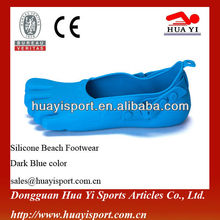 Design walk fashion brand name cheap silicone swimming shoes