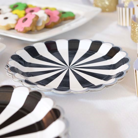 Event & Party Supplies disposable bulk paper plates