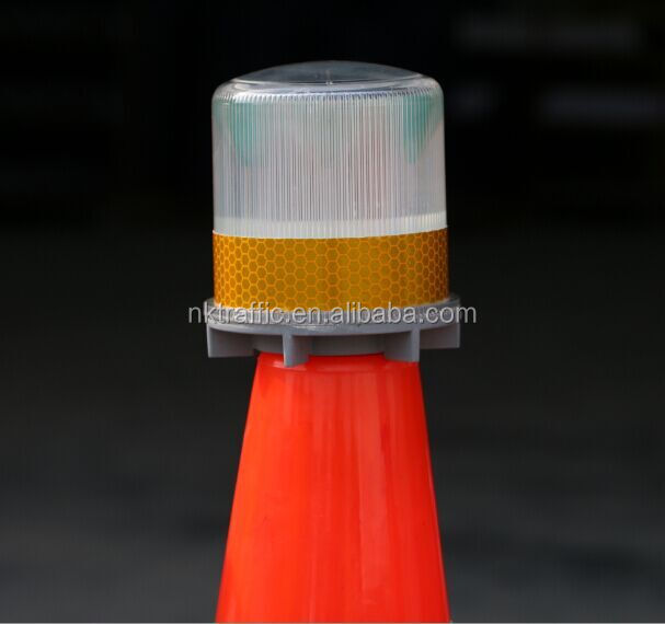 Waterproof High Brightness Solar led traffic barricade road cone light