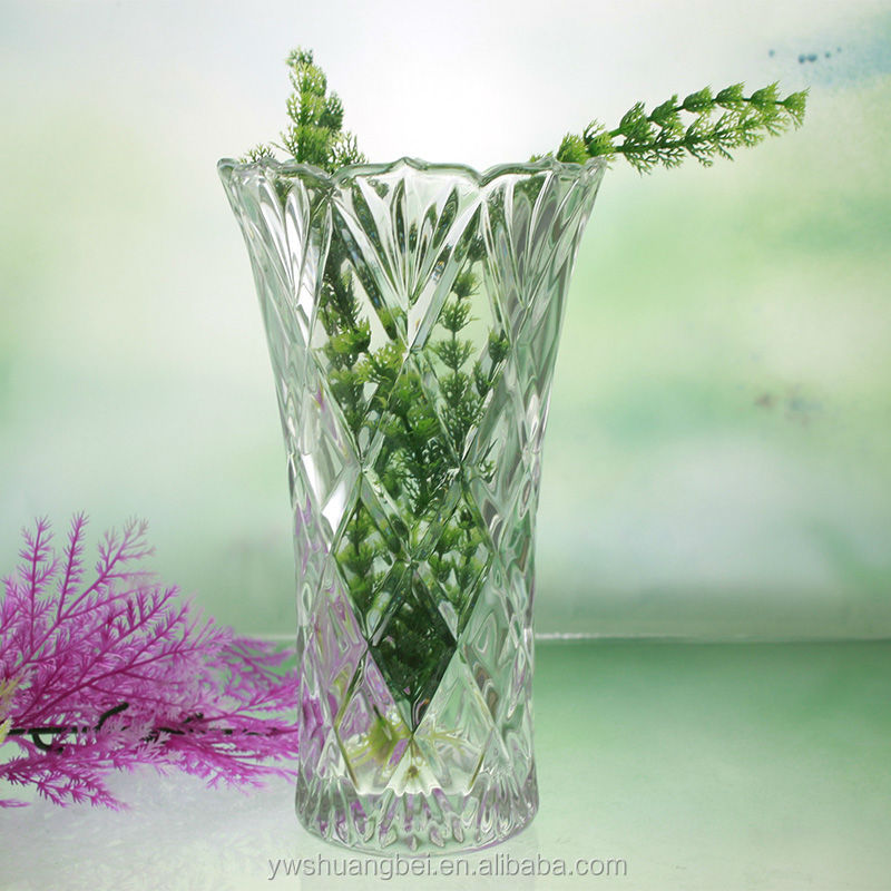 Clear Glass Vase Engraved With Flower Giftware