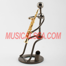Wholesale metal Clarinet player handmade figurine craft and pen holder/ Pen container/ Brush pot for gift