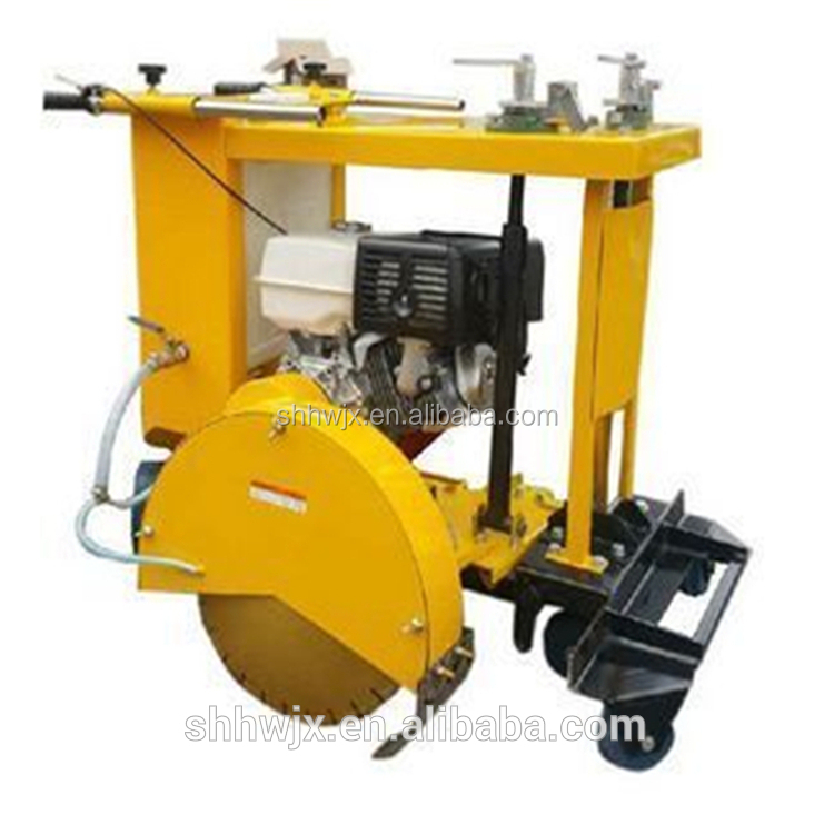 Portable concrete floor saw / road cutting saw machine