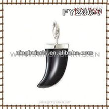 wholesale different designs of alphabets pendant metallic adornments wall gold jewelry