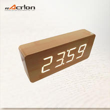 Stylish Design Top Class Carved Wood Table Clock Decor