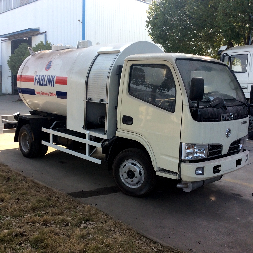 dongfeng 5.5 cbm lpg tank truck with dispensing