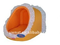 Luxury lovely pet bed pet house with polyester fabric suitable for small dogs & cats