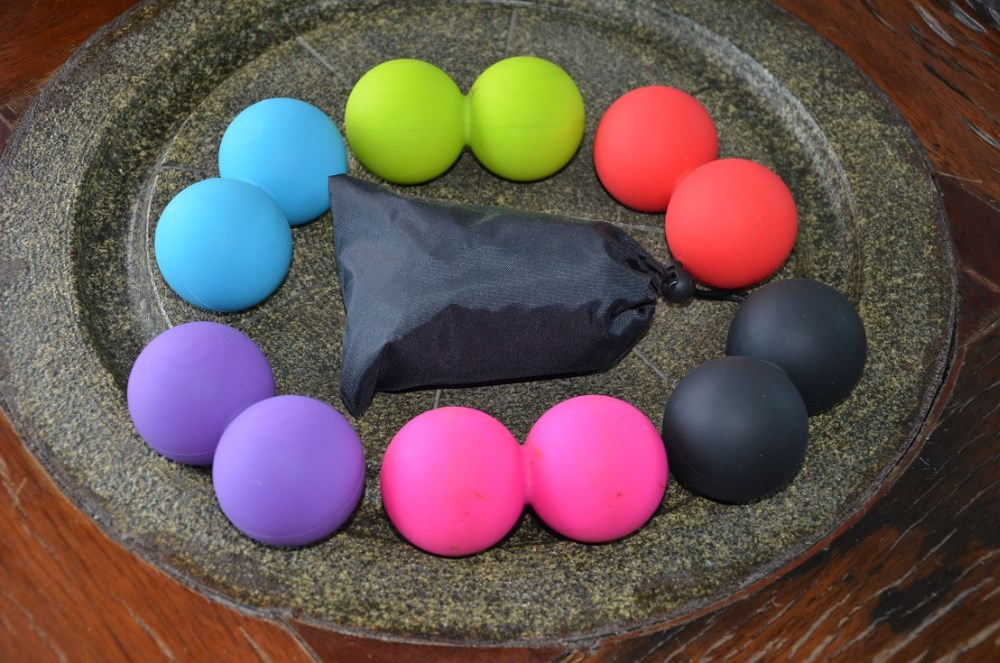 2017 Wholesale high quality export silicone peanut Fitness silicone massager ball