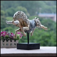 China Best OX Resin And Crystal Glass Animal Sculpture Antique Decor With Black Stand Handmade Souvenirs Crafts For Decor