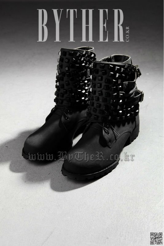 custom stud mens black boots