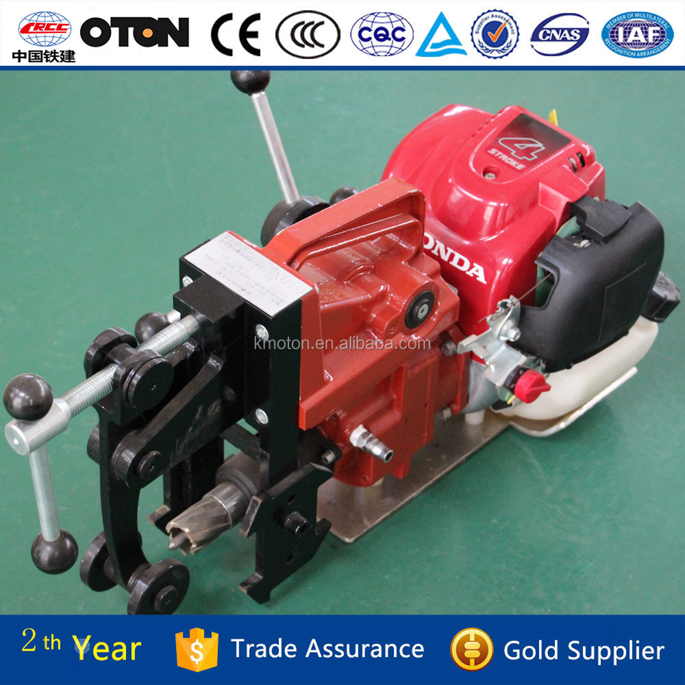 Easy-operating portable rail drilling machine for wood sleeper