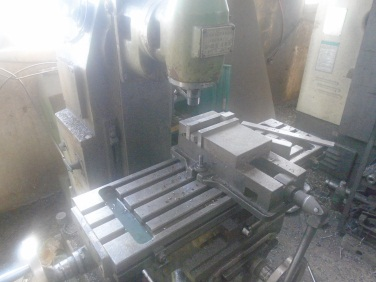 Milling (Injection blow molding machine)