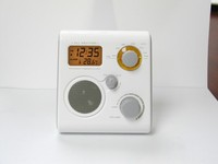 All weather shower radio Alarm clock / temperature Line-in to connect MP3 & IPO Waterproof