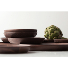 High quality walnut hand carved wooden fruit <strong>plate</strong> wooden dessert <strong>plate</strong>