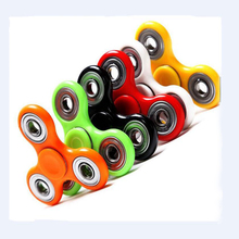 triangle focus toy promotional relaxing finger gyroscope spinner box package