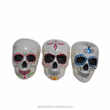 Wholesale halloween painted foam skull 3asst party supplies