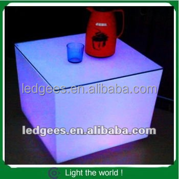 Water proof IP68 LED Furniture Cube rechargeable transparent plastic square led chair