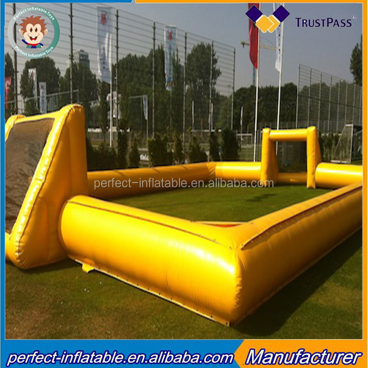 2017 Outdoor giant inflatable soccer place inflatable soccer field