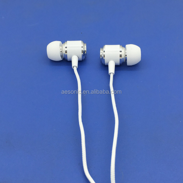 High Quality Mobile Phone Use And In-Ear Stylish Cheap Metal Earphones With Mic