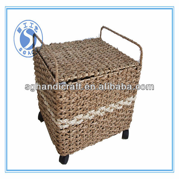 Wholesale Christmas Cheap Wicker Basket with Handles
