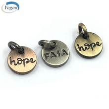 Different Colors Round Custom Made Charms Engraved Logo Metal Jewelry Charms