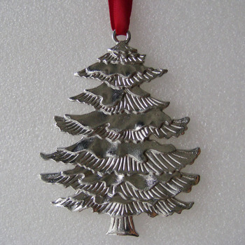 Silver Plating Christmas Tree Shaped Metal Ornament