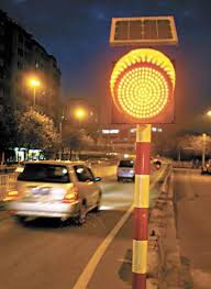 popular high solar power traffic warning light yellow solar flashing light LED