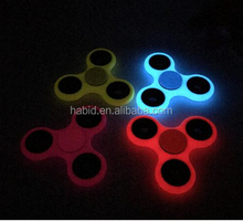 China supplier hand spinner fidget toy bearing spinner with glow in the dark