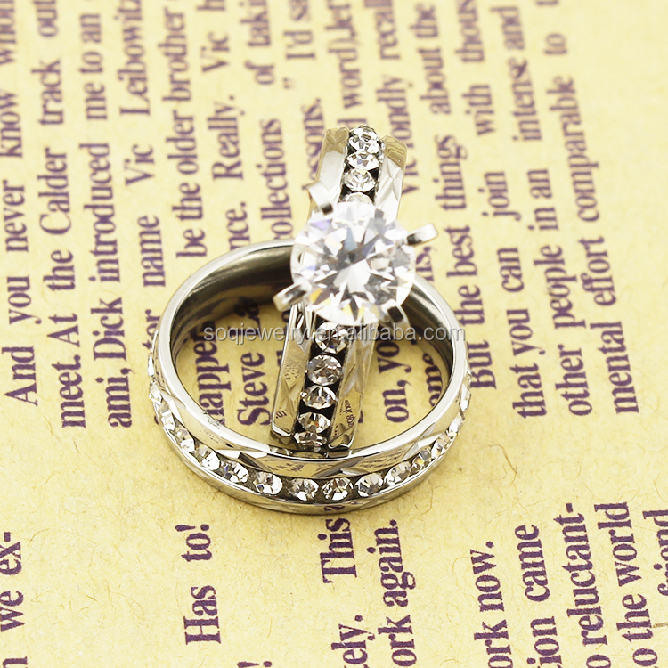Luxury 18K Gold Female Stainless Steel Clear Gemestone Wedding Thin Gold Diamond Rings Jewelry
