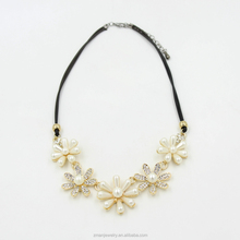 Trendy Leather Rope Pendant Necklace,Rhinestone Flower Shape Pearl Necklace