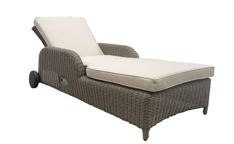 All weather outdoor patio daybed furniture