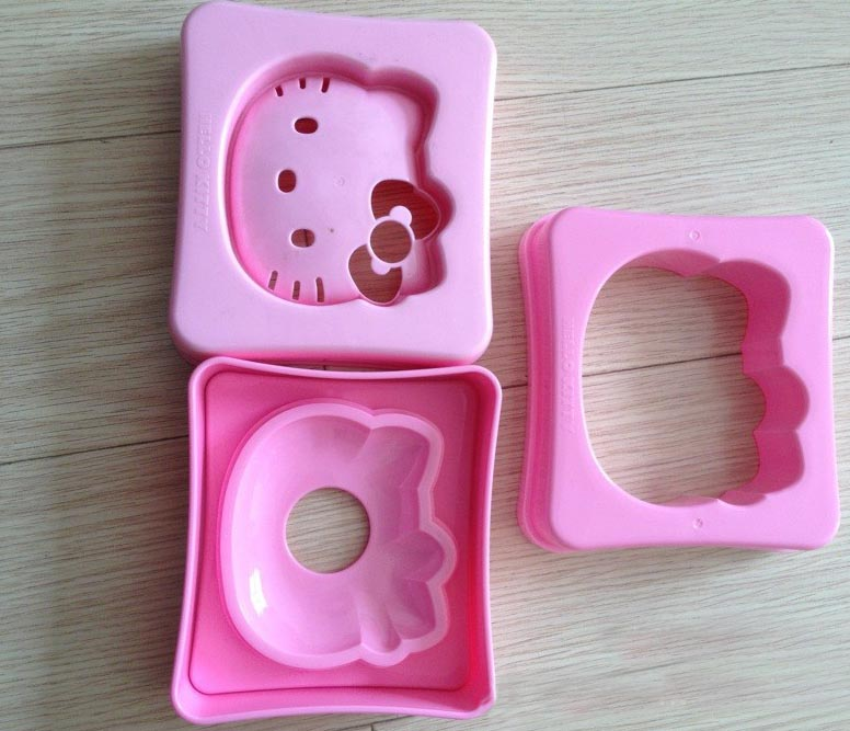 hello kitty shaped sandwich cutter