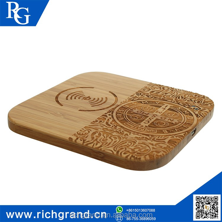 Alibaba China supplier Embrossed Wood mobile phone power bank wireless for iPhone Samsung Universal